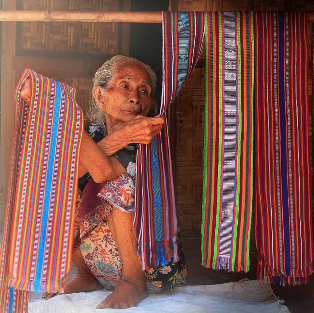 sarong making, Sade, Ikat fabric,
